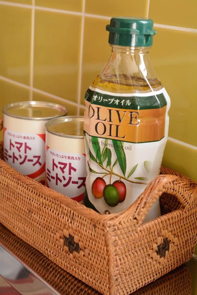 キッチンのオリーブオイルや小瓶を入れるのに最適なケース