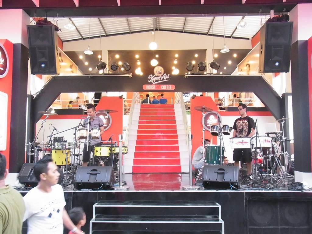 ジャカルタフェスでのドラムセッション