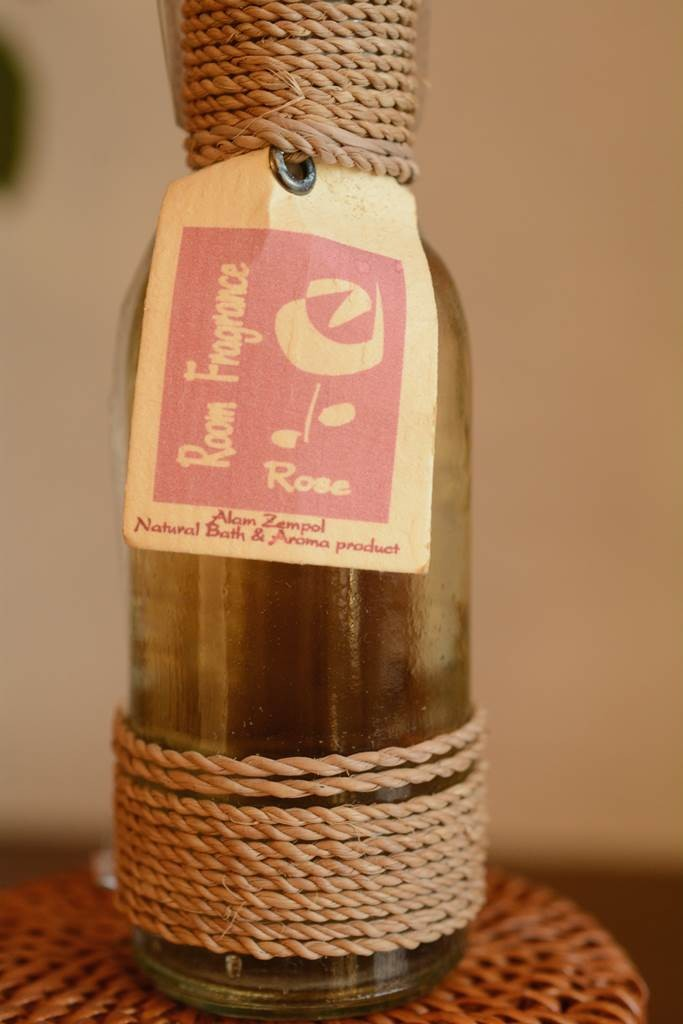 アラムゼンポールのローズの香りのルームフレグランス