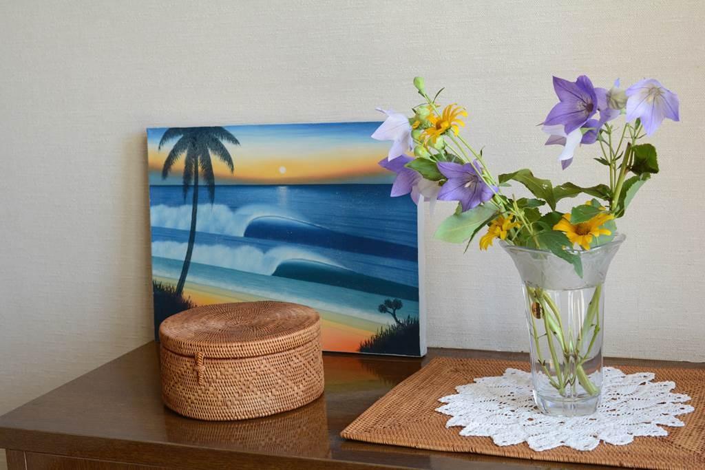 波のバリ絵画で、玄関をバリ風にする