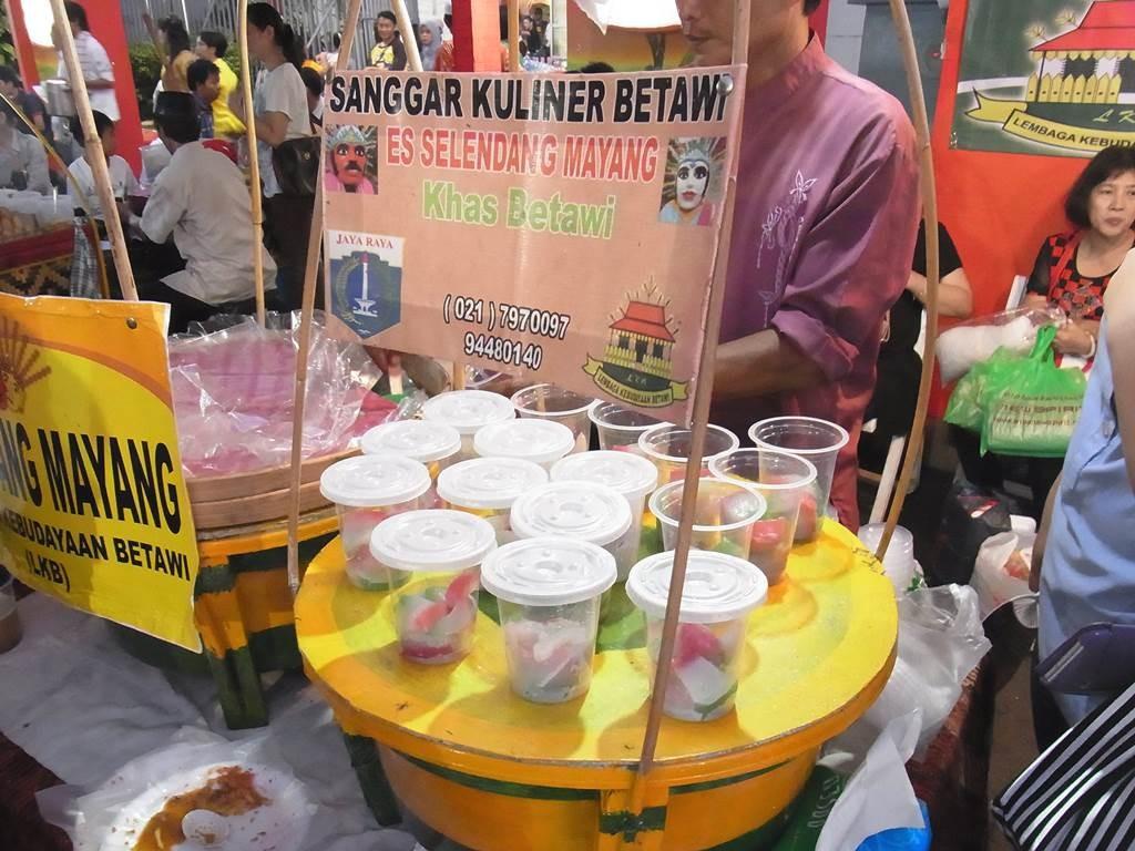 es selendang mayang を売っているお店の雰囲気