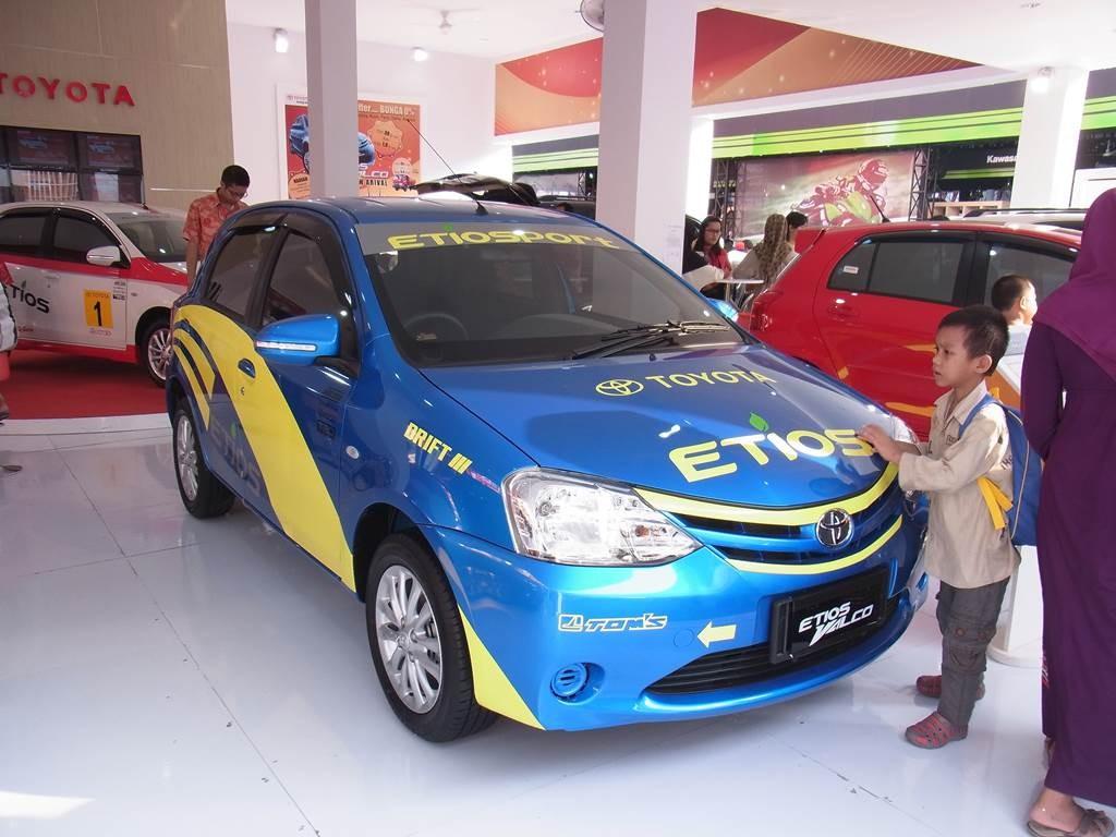 インドネシアのトヨタの車etios