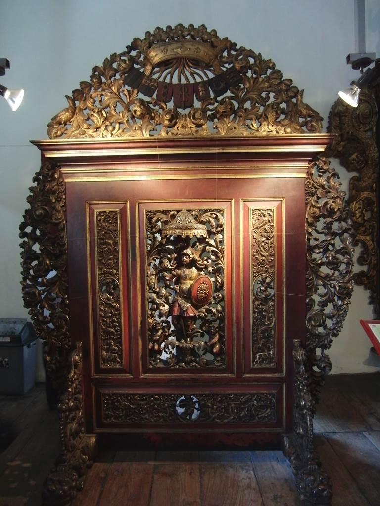 インドネシアの伝統を感じる彫刻