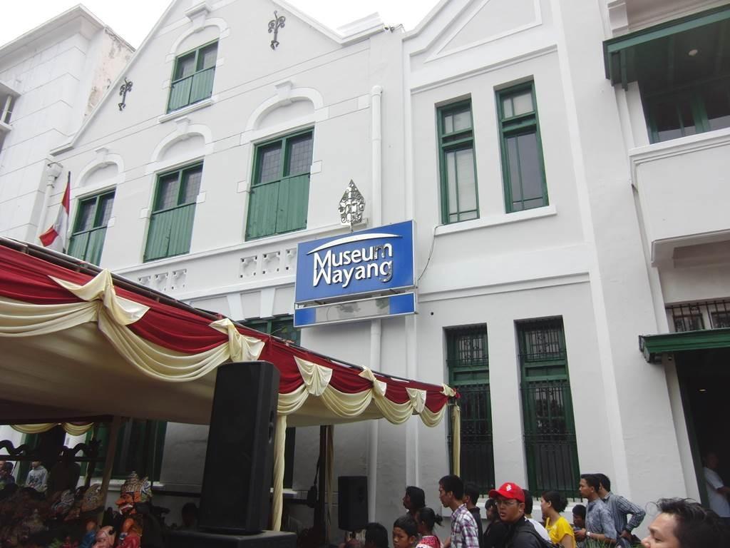 ファタヒラ広場のワヤン会場
