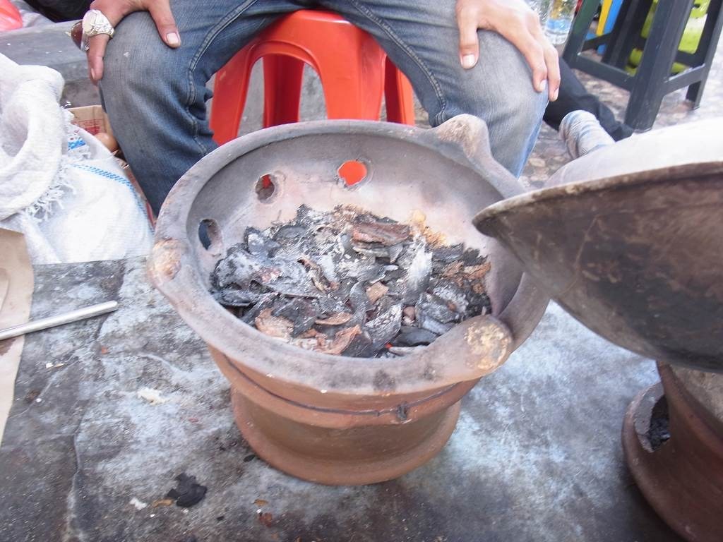 keraktelorを作るための火鉢