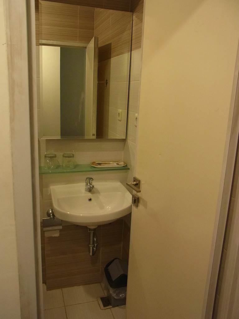スマートホテルの洗面所
