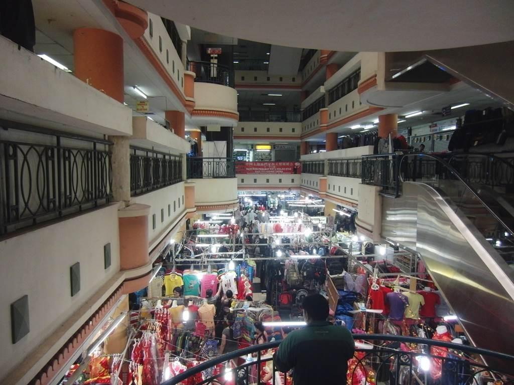 ジャカルタ、チャイナタウンのショッピングモール内の様子