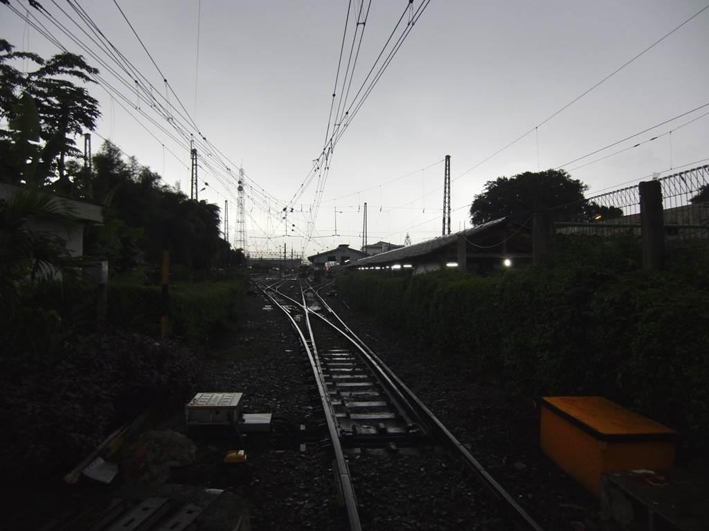 インドネシアの線路の様子