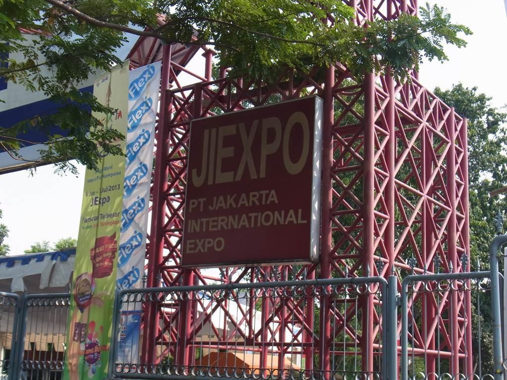このゲートを通れば jkt expo です
