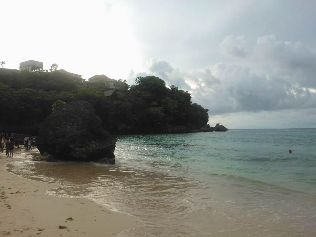 インドネシアはバリ島の綺麗なビーチ padang-padang