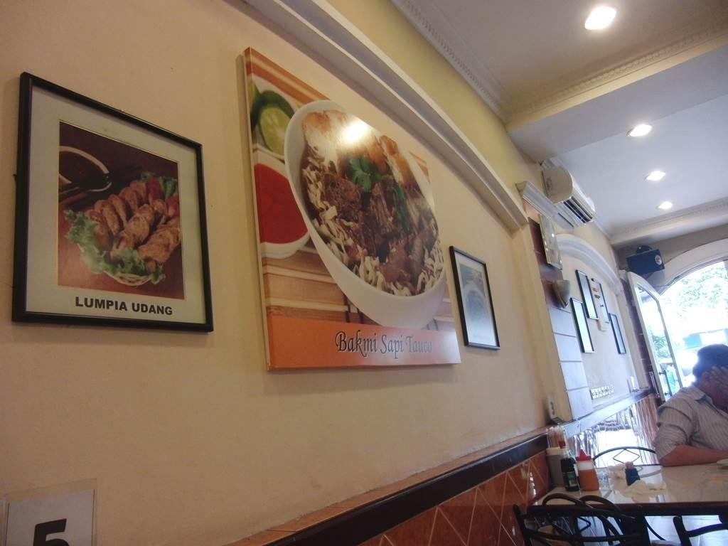 Roti Henis の店内