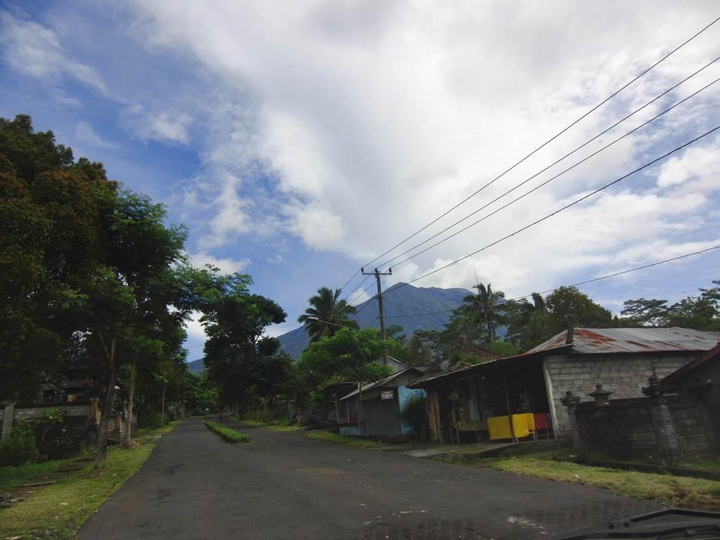 アグン山の方面の綺麗な空