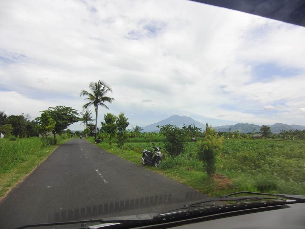 バリ島の霊峰アグン山