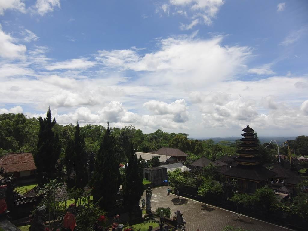 バリ島の自然とお寺の景色