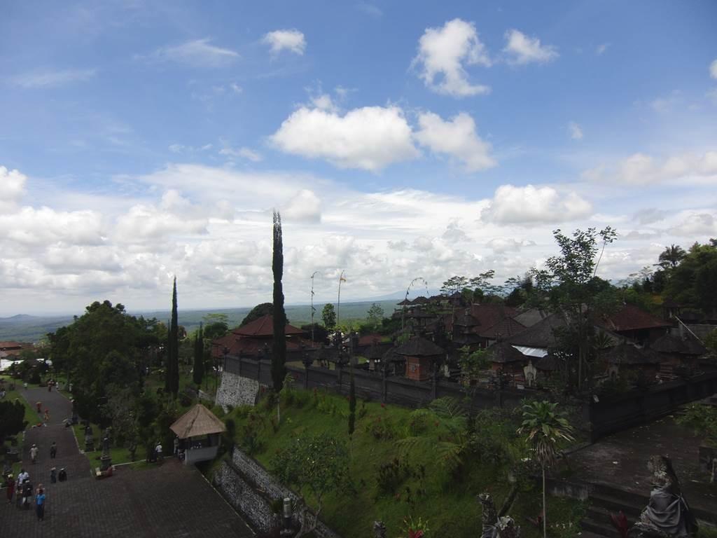 バリ島ブサキのお寺からの絶景