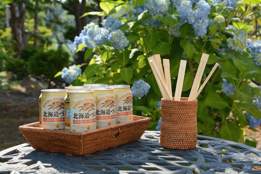 アタ製品のビールトレーと箸入れボックス
