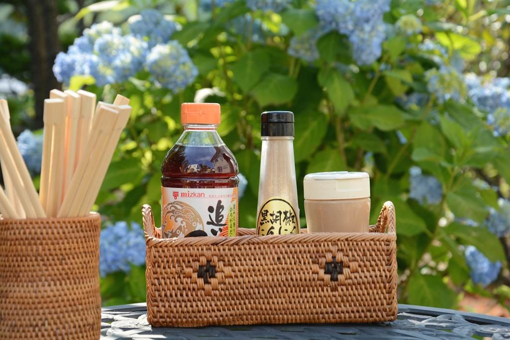 バリ島のアタ製品の調味料ボックス